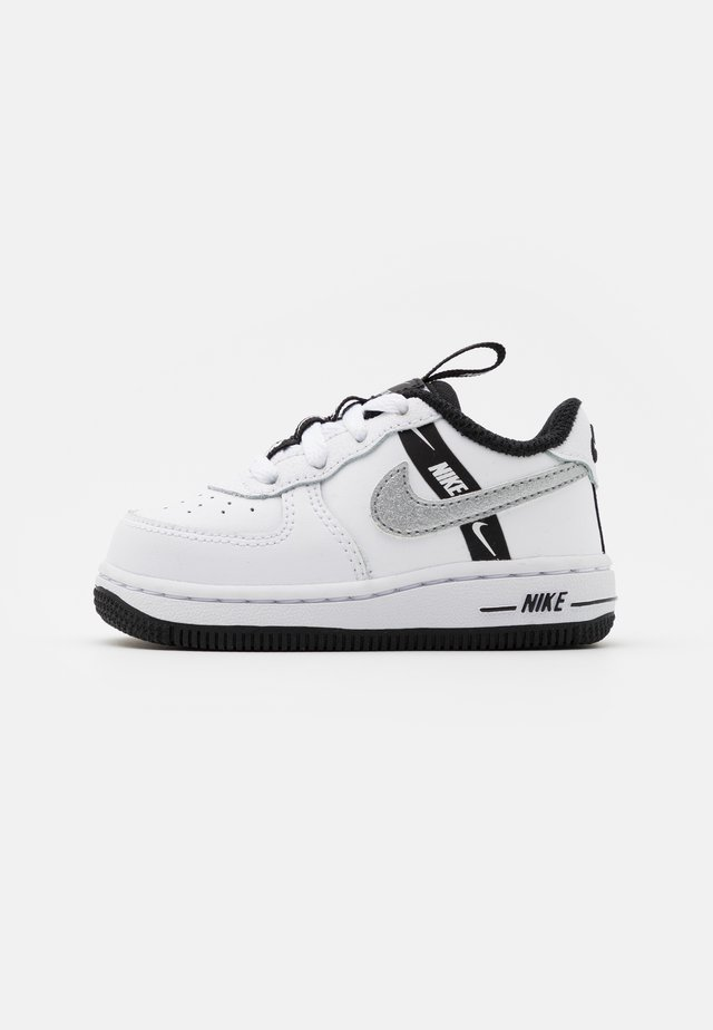 FORCE 1 UNISEX - Zapatos de bebé - white/black/silver