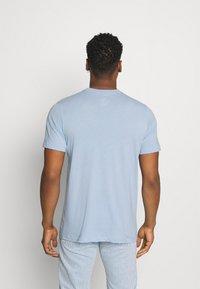 Nike Sportswear - CLUB TEE - T-shirt - bas - psychic blue/white - 2