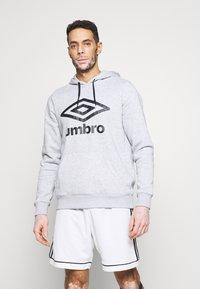 Umbro - LARGE LOGO HOODIE - Hoodie - grey marl/black - 0