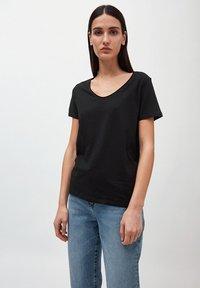 ARMEDANGELS - HAADIA - Basic T-shirt - black - 0