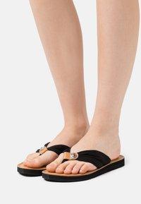 Tommy Hilfiger - FOOTBED BEACH - Japonki - black - 0