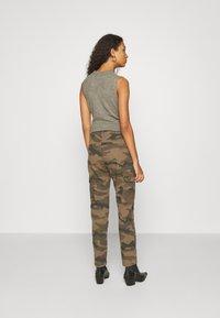 JDY - JDYARMY STRAIGHT PANT - Cargo trousers - kalamata - 2