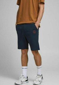 Jack & Jones - 2 PACK - Shorts - olive night - 1