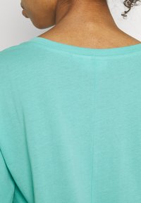 Weekday - LAST V NECK - Basic T-shirt - turqoise green - 4