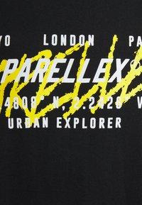 PARELLEX - EXPLORER TEE - Triko spotiskem - black - 2
