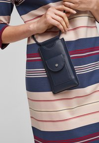 s.Oliver - Phone case - dark blue - 2