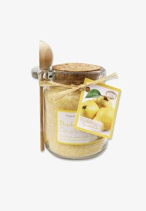 BADESALZ QUITTE IM GLAS MIT HOLZLÖFFEL 300 G - Bubble bath & soak - beige
