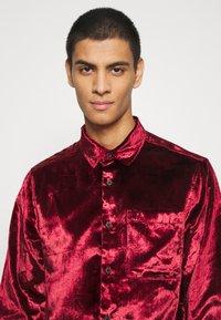 Topman - OXBLOOD - Formal shirt - red - 4