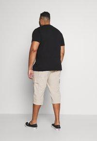 s.Oliver - BERMUDA - Shorts - brown - 2