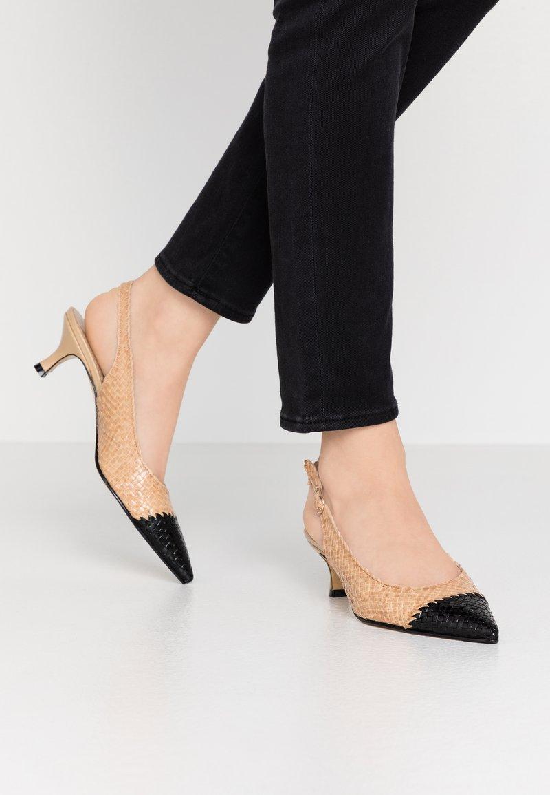Pons Quintana - Classic heels - ivory