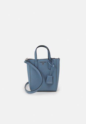 SINCLAIR XS TOTE XBODY - Handbag - chambray