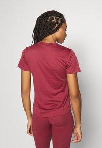 adidas Performance - LOGO TEE - Print T-shirt - legred/maroon - 0
