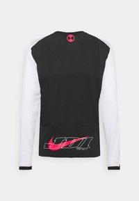 Nike Performance - Långärmad tröja - black/white/light fusion red - 1