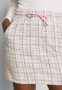 Rich & Royal - SKIRT WITH TAPES - Mini skirt - pearl white - 4