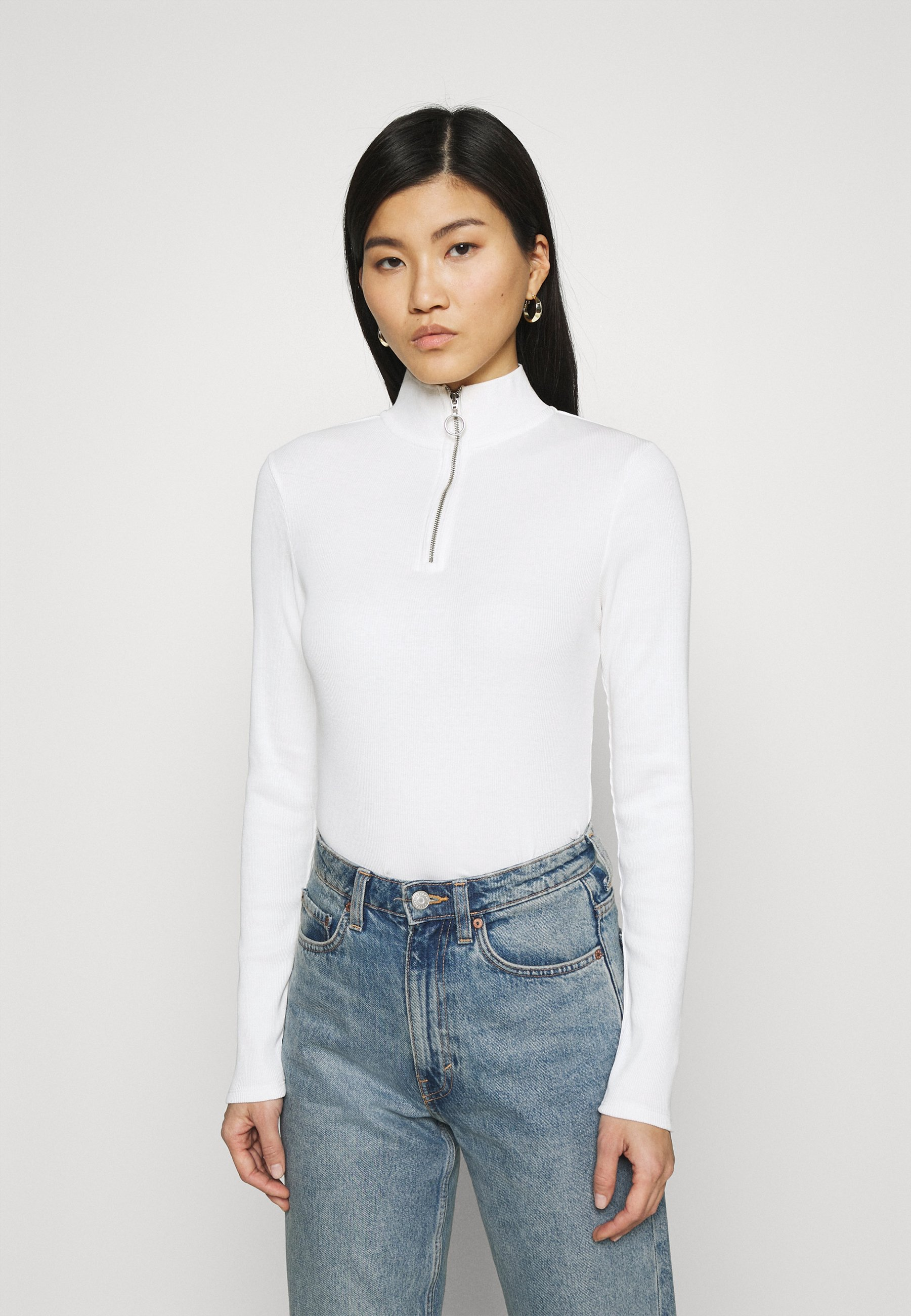 Women LONGSLEEVE WITH ZIPPER SPECIAL COLLAR - Long sleeved top