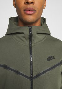 Nike Sportswear - Zip-up hoodie - twilight marsh/black - 5