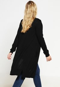Zalando Essentials Curvy - Cardigan - black - 2