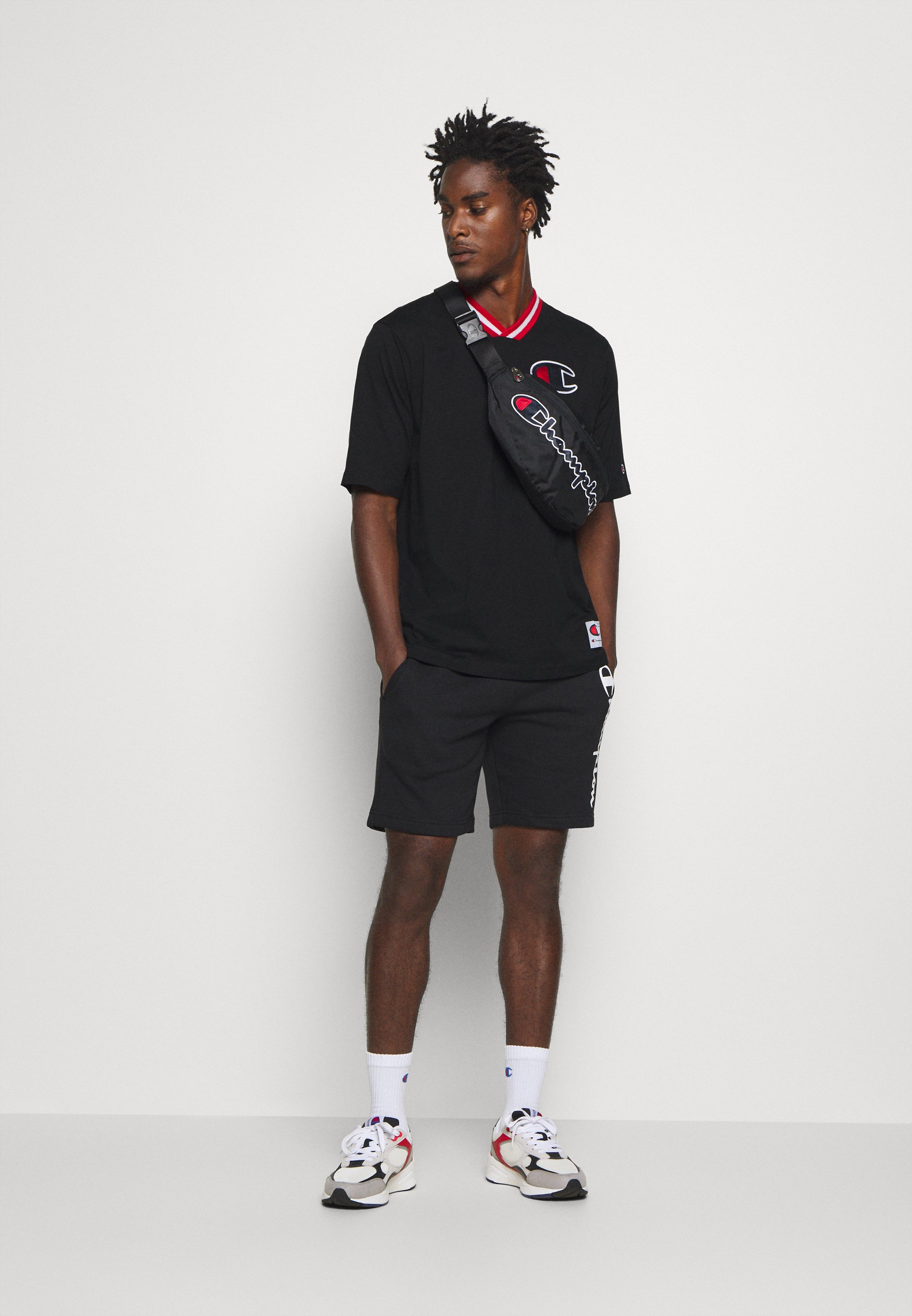 ROCHESTER RETRO BASKET V NECK T shirts print black