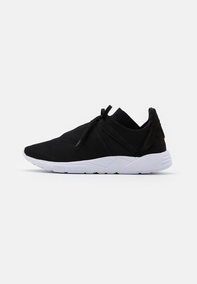 EAGLEZERO - Trainers - black