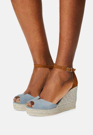 SIRA - Platform sandals - ante tormenta/whisky