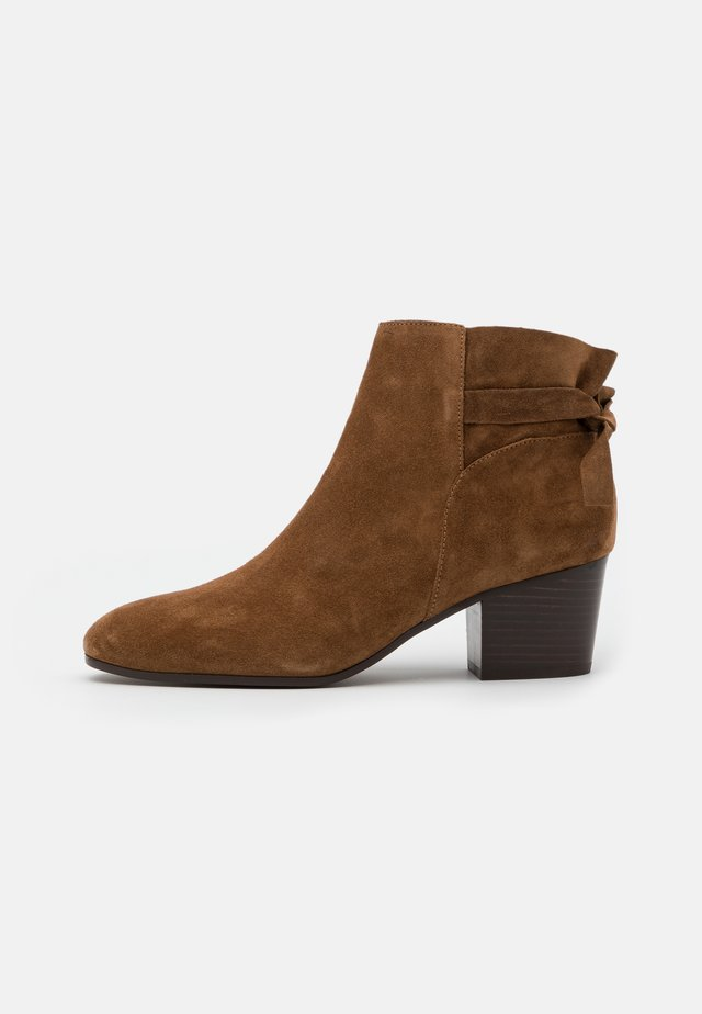 ADELITA - Ankle Boot - cannelle