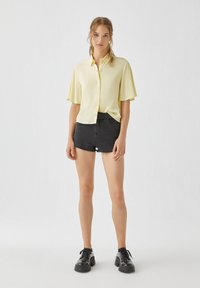 PULL&BEAR - Button-down blouse - yellow - 1