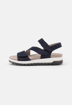 Sandalias con plataforma - blue