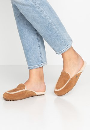 LANE - Pantoffels - chestnut