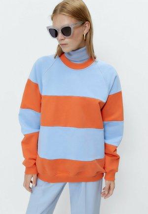 MIT KONTRASTSTREIFEN  - Sweater - orange