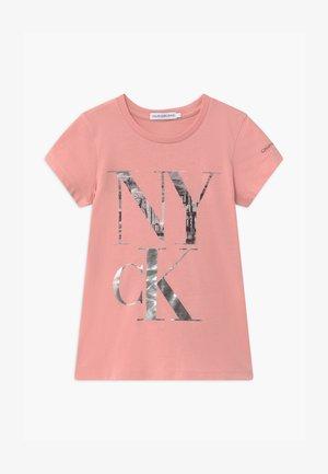 PRINT SLIM - Camiseta estampada - pink