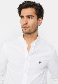 WE Fashion - SLIM FIT - Chemise - white - 4