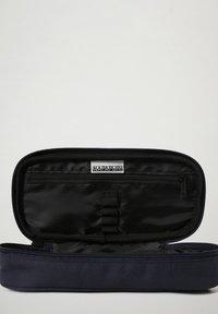 Napapijri - HAPPY - Pencil case - blu marine - 2