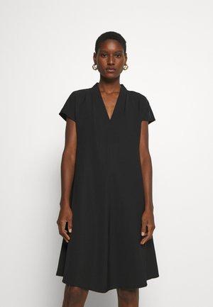 QALI - Korte jurk - black