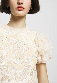 Needle & Thread - SHIRLEY RIBBON MINI DRESS - Koktejlové šaty/ šaty na párty - champagne - 5