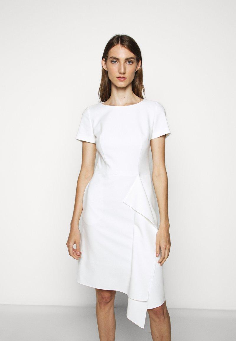 HUGO - KIBINA - Pouzdrové šaty - natural