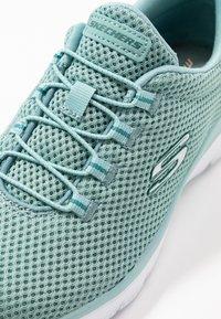 Skechers Sport - SUMMITS - Sneakers laag - sage/white - 2