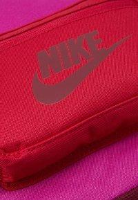Nike Sportswear - TANJUN UNISEX - Tagesrucksack - cactus flower/cardinal red/dark beetroot - 7