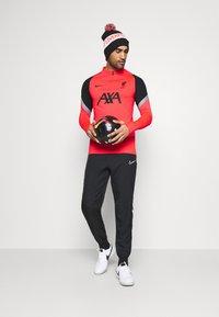 Nike Performance - LIVERPOOL FC DRY DRIL - Squadra - laser crimson/wolf grey/black - 1