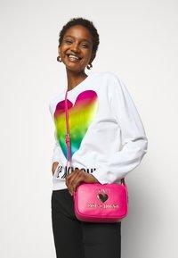 Love Moschino - Across body bag - fuxia - 0