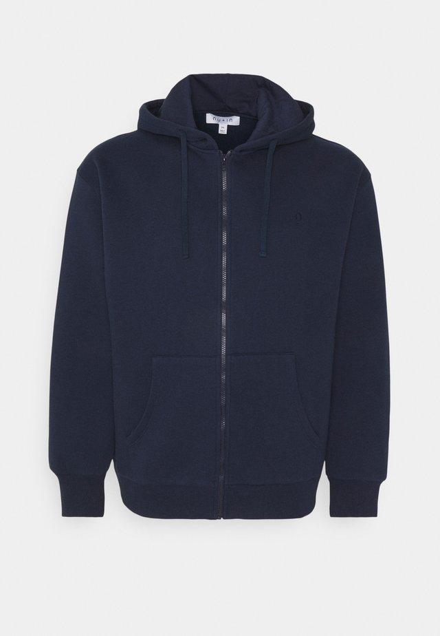 PLUS ZIP UP HOODIE - veste en sweat zippée - navy