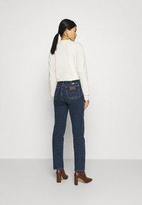 Wrangler - WILD WEST - Straight leg jeans - canyon lake - 2