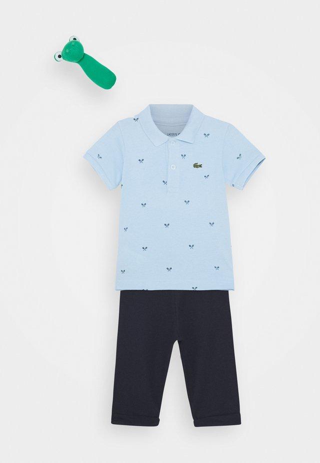 Geschenk zur Geburt - creek/navy blue