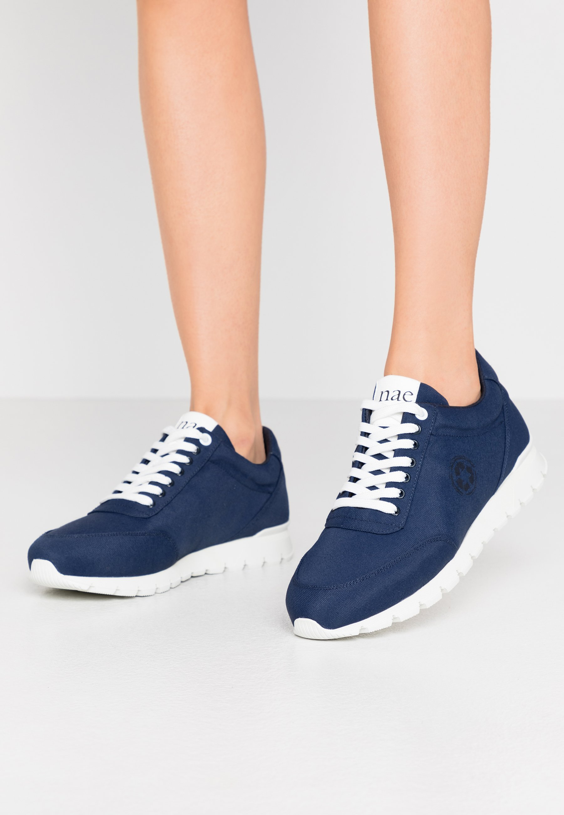Gutes Angebot NAE Vegan Shoes NILO - Sneaker low - navy | Damenbekleidung 2020
