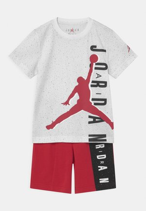 BIG VERT SET - Camiseta estampada - gym red