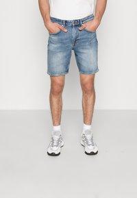 NN07 - JOHNNY SHORTS  - Denim shorts - blue denim - 0