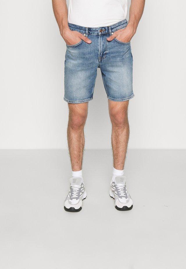 JOHNNY SHORTS  - Short en jean - blue denim