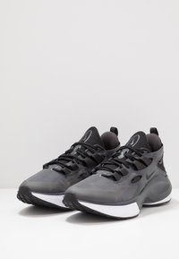 Nike Sportswear - SIGNAL D/MS/X SE - Sneakers - black/anthracite/white - 2