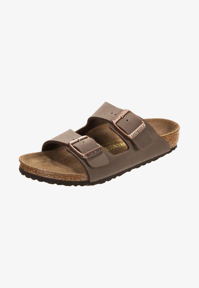 ARIZONA  - Domácí obuv - mocca