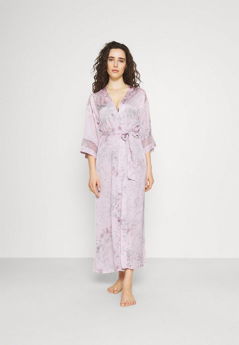 Women Secret - LONG ROBE FLOW  - Dressing gown - pink