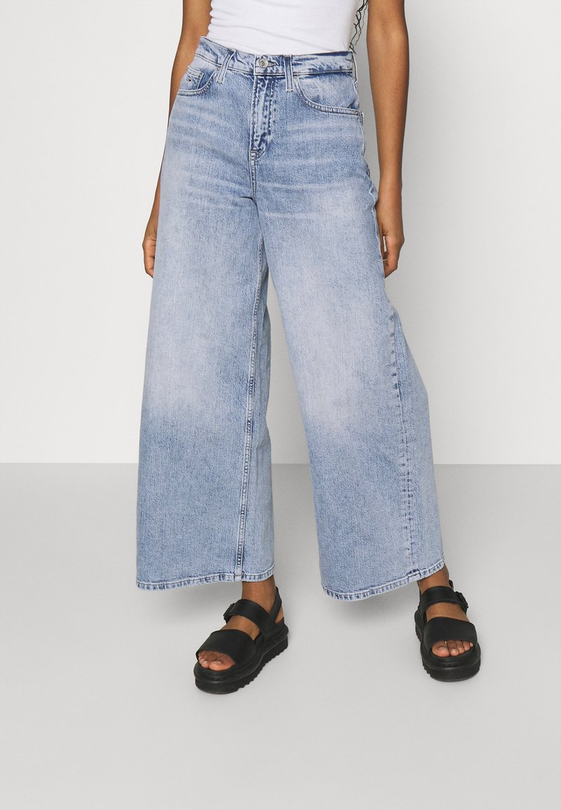Tommy Jeans - ULTRA WIDE LEG - Relaxed fit jeans - light blue denim